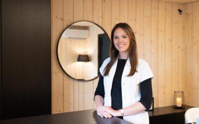 Schoonheidssalon 'Beauty by Eline' bouwt eigen werkruimte tegen bestaande woning met houtschakelbouw